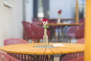 Cafe-Knusperbohne_Außenbereich